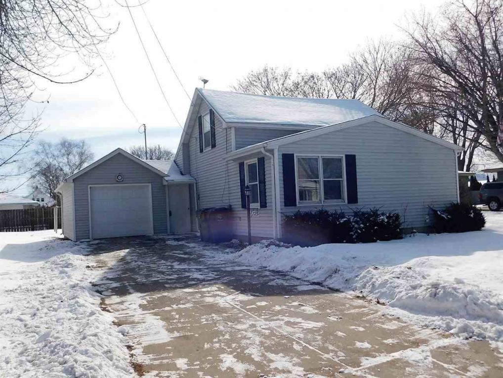 725 Main, Wrightstown, WI 54180