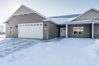 Photo of 1721 Copperstone, Neenah, WI 54956