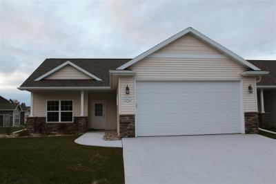 Photo of 1762 Cottagewood, Neenah, WI 54956