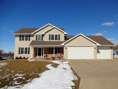 Photo of 551 Windy Wood, Wrightstown, WI 54180