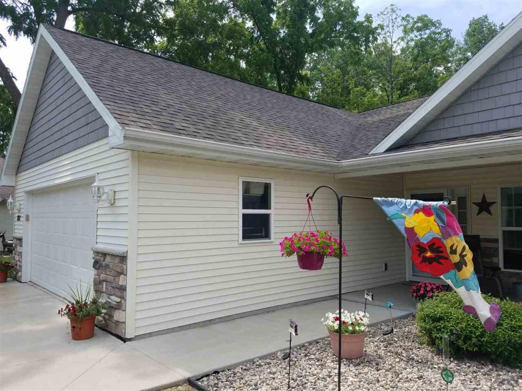 807 W Cook, New London, WI 54961