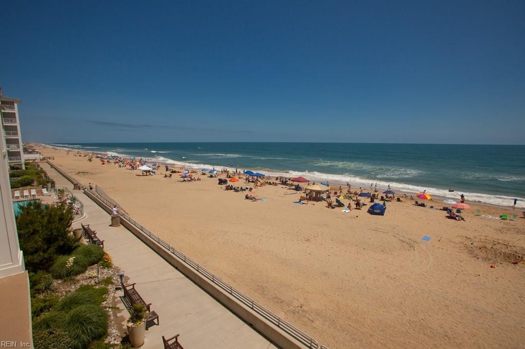 3738 Sandpiper Road #420b, Virginia Beach, VA 23456