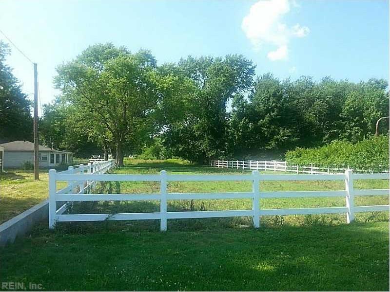 1911 Pembroke Avenue E, Hampton, VA 23663