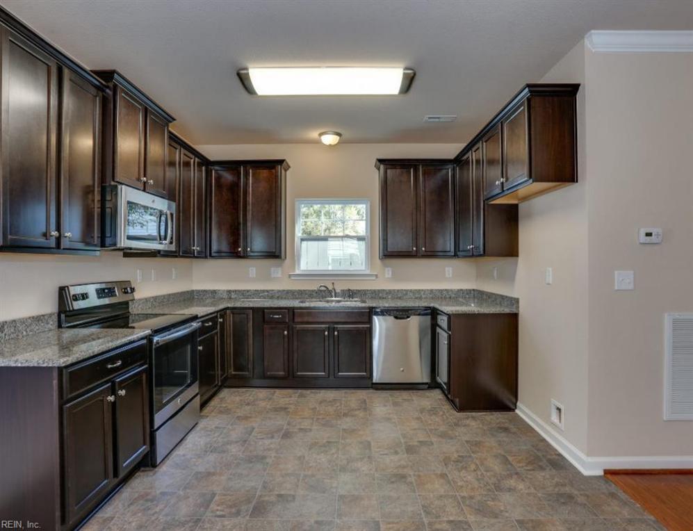 1033 Calloway Avenue, Chesapeake, VA 23324