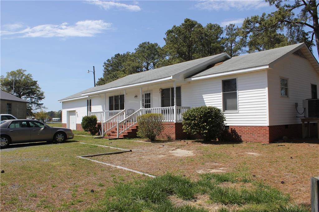 787 Lillys Neck Road, Mathews, VA 23109