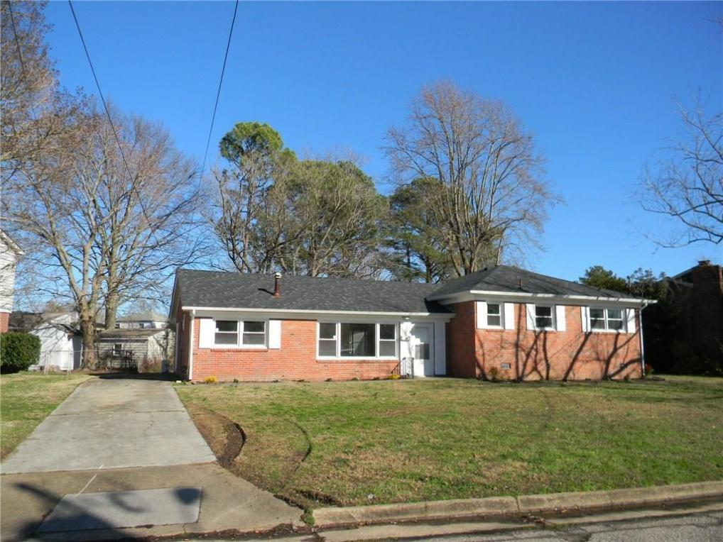 14 Woodbridge Drive, Hampton, VA 23666