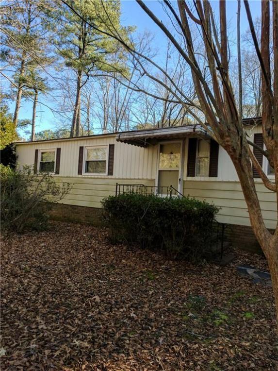 100 Chesapeake Drive Drive, Gwynn, VA 23066