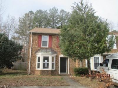 Photo of 334 Middle Oaks Drive, Chesapeake, VA 23322