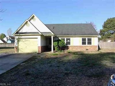 Photo of 1429 New Mill Drive, Chesapeake, VA 23322