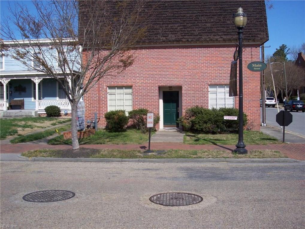 302 Main Street Street #11, Smithfield, VA 23430
