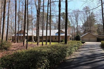 Photo of 605 Fairfield Drive, Chesapeake, VA 23322