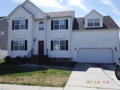 Photo of 821 Westcove Lane, Chesapeake, VA 23320