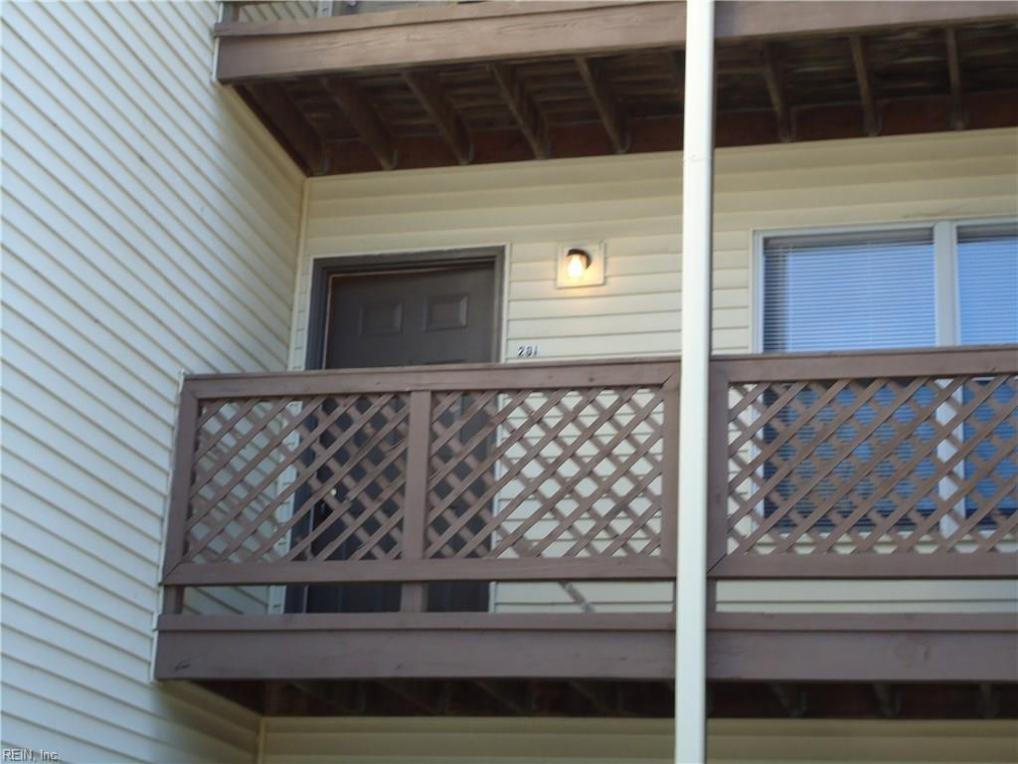574 Candle Lane #201, Newport News, VA 23608