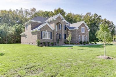 Photo of 317 Scone Castle Loop, Chesapeake, VA 23322