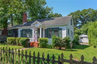 211 Greenbriar Avenue, Hampton, VA 23661