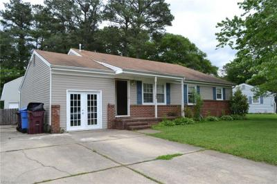 Photo of 1041 Saint Julian Drive, Chesapeake, VA 23323