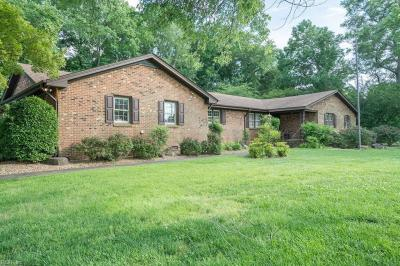 Photo of 524 Parker Road, Chesapeake, VA 23322