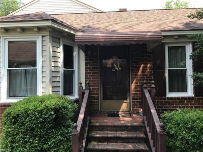 Photo of 335 Middle Oaks Drive, Chesapeake, VA 23322
