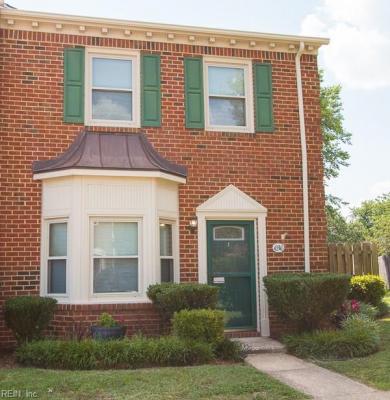 Photo of 636 Creekside Court, Chesapeake, VA 23320