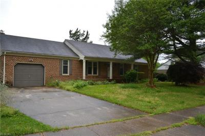 Photo of 2756 Horseshoe Drive, Chesapeake, VA 23322