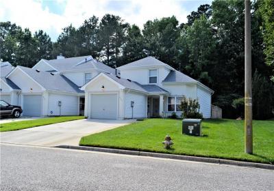 Photo of 856 Royal Grove Court, Chesapeake, VA 23320