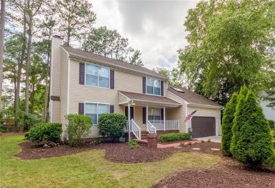 Photo of 821 Pepperwood Drive, Chesapeake, VA 23320