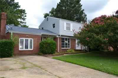 Photo of 361 Dexter Street E, Chesapeake, VA 23324