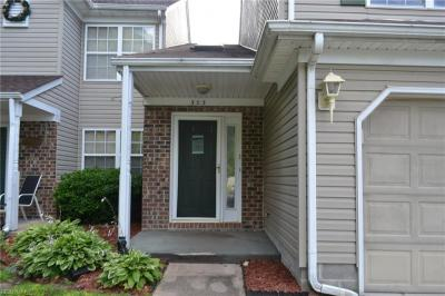 Photo of 303 Nottingham Drive, Chesapeake, VA 23322