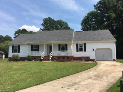 Photo of 515 Breeze Hill Crescent, Chesapeake, VA 23322