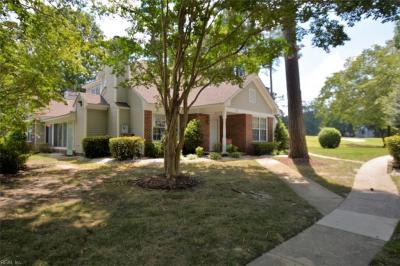 Photo of 822 Brassie Way, Newport News, VA 23602