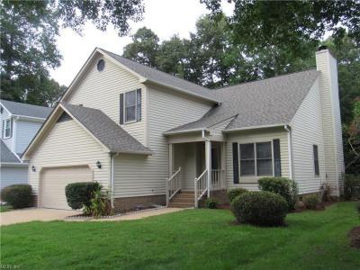 Photo of 845 Hardwood Drive, Chesapeake, VA 23320