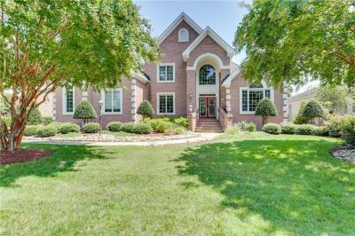 Photo of 625 Stoneleigh Court, Chesapeake, VA 23322