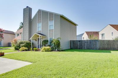Photo of 1624 Helmsley Court, Virginia Beach, VA 23464