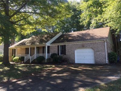 Photo of 924 Brandermill Drive, Chesapeake, VA 23322