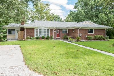 Photo of 1618 Hawthorne Drive, Chesapeake, VA 23325
