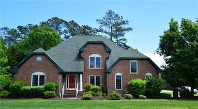 Photo of 229 Marsh Island Drive, Chesapeake, VA 23320