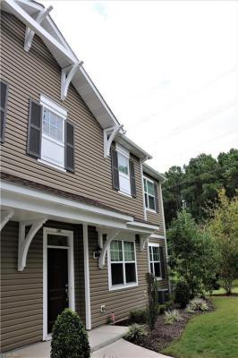 Photo of 606 Lacy Oak Drive, Chesapeake, VA 23320