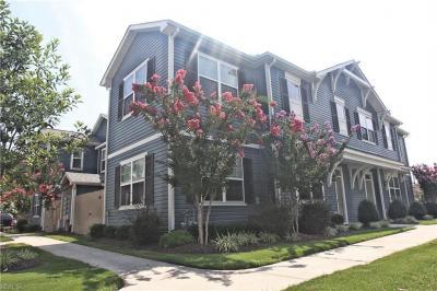 Photo of 669 Lacy Oak Drive, Chesapeake, VA 23320
