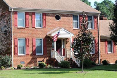 Photo of 2433 Lakewood Lane, Chesapeake, VA 23321
