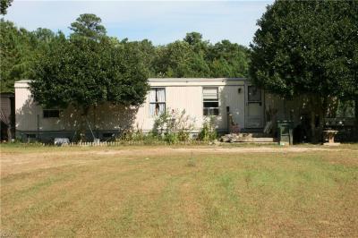 Photo of 10747 Hornets Nest Road, Gloucester, VA 23061