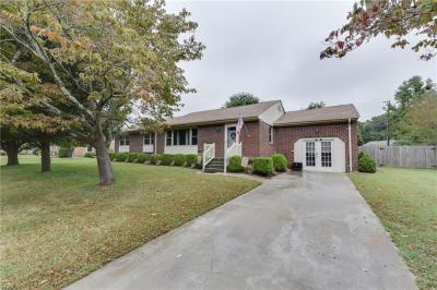 Photo of 537 Hartswood Terrace, Chesapeake, VA 23322