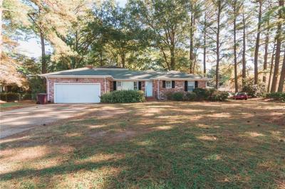 Photo of 200 Essex Drive, Chesapeake, VA 23320