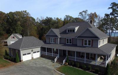 Photo of 215 River Oaks Lane, Smithfield, VA 23430