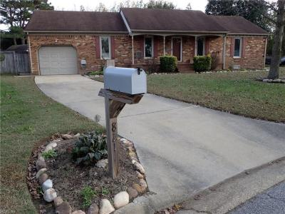 Photo of 821 Shadowood Lane, Chesapeake, VA 23322