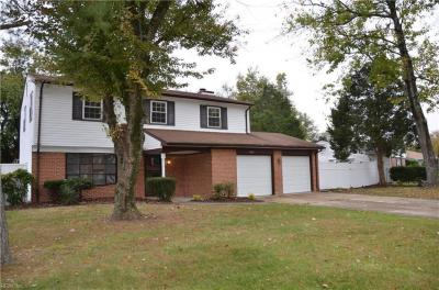 Photo of 1348 King Arthur Drive, Chesapeake, VA 23323