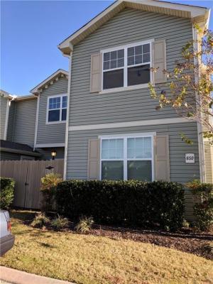 Photo of 650 Lacy Oak Drive, Chesapeake, VA 23320