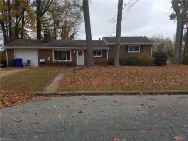 8 Teakwood Drive, Newport News, VA 23601