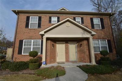 Photo of 533 Hadleybrook Drive, Chesapeake, VA 23320