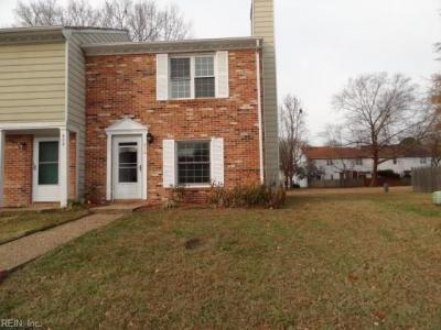Photo of 910 Ketch Court, Chesapeake, VA 23320