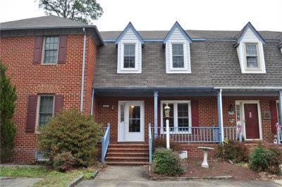 Photo of 351 Middle Oaks Drive, Chesapeake, VA 23322